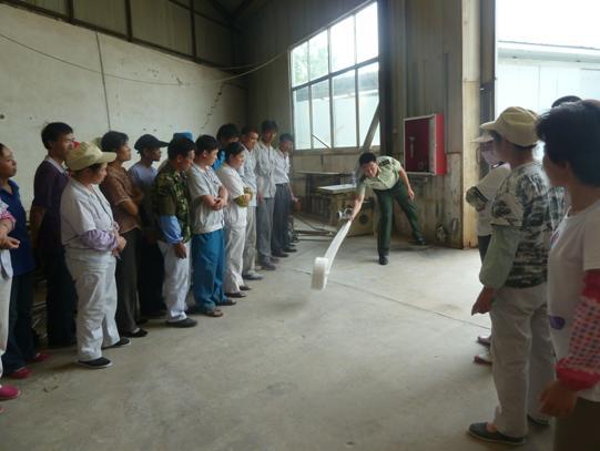 宏达木业开展消防知识宣讲和演练